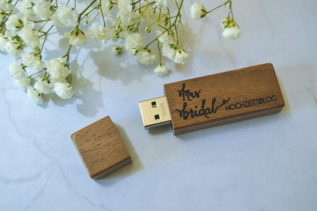 Handgefertigte und personalisierte USB-Sticks aus Holz - Mrs Bridal