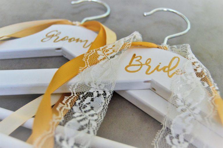 Brautbügel Kleiderbügel zur Hochzeit DIY