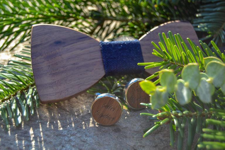 Holzfliege und personalisierte Manschettenknöpfe von WeLoveLaser